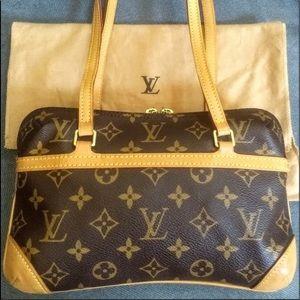 Authentic & Rare Louis Vuitton Coussin PM